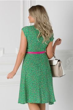 Rochie Isabel verde cu floricele si cordon in talie Short Sleeve Dresses, Dresses With Sleeves, Summer Dresses, Floral, Casual, Fashion, Green, Moda, Sleeve Dresses
