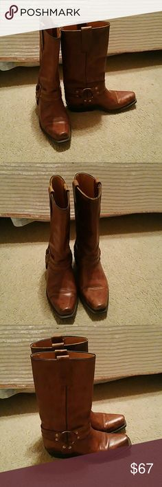 Brown Cowgirl Boots Very cool brown cowboy boots. My aunt gave them to me and they're not my size. They fit like a seven and a half. Made in Mexico Vaquero Shoes Combat & Moto Boots