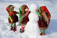 Free Elf Hat pattern and tutorial for dolls: http://bjdcollectasy.com/2012/12/22/elf-hat-collar-part-1-the-hat/