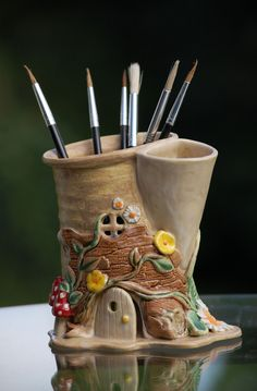 Elegant Pottery Vases Clay Ideas Simple and Impressive Tips Can Change Your Life: Vases Verre Peinture unique vases products. Ceramics Projects, Clay Projects, Clay Crafts, Pottery Vase, Ceramic Pottery, Ceramic Art, Pottery Sculpture, Cerámica Ideas, Clay Fairy House