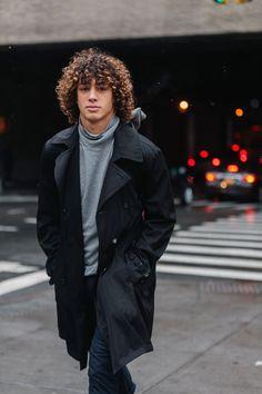 Long Curly Hair Men, Curly Hair Cuts, Medium Hair Cuts, Curly Hair Styles, Black Men Hairstyles, Cool Hairstyles For Men, Afro Hairstyles, Barak Shamir, Cute Black Guys