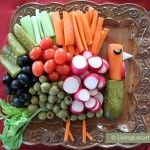 Happy Thanksgiving with Recipes and round up of Thanksgiving Crafts for Kids from other great bloggers including this turkey crudite plate! #crafts #kbn