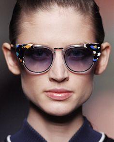 Fendi Usando Óculos, Oculos De Sol, Passarela, Outlet Ray Ban, Armações De 36ebbf50409