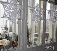 http://harmahtaa.blogspot.fi/2013/12/hyasintteja-ikkunaan-valiin.html
