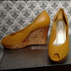 Steve Madden Wedge Textured Polka Dot NWT Sz 10 Features: chic lil wedges anytime of year color / textured polka dot in Mustard Seed Flower/ Cork wedge 4in heel/ padded insole, leather upper , rubber sole / Steve Madden quality beautifully made From Boutique By Steve Madden NWT Sz 10 regular width Steve Madden Shoes Wedges
