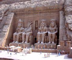 Abu Simbel - Aswan, Nile River, Egypt >  http://destinations-for-travelers.blogspot.com/2014/02/templos-de-abu-simbel-aswan-rio-nilo-egito.html