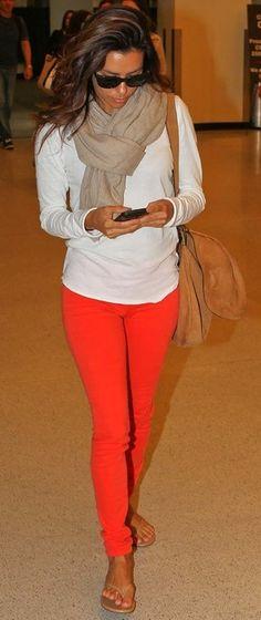 Eva Longoria airport style (those jeans!!)