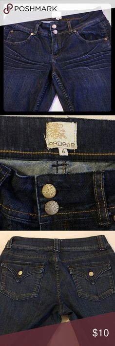 Arden B boots cut Jeans size 6. Very nice  the jeans has some stretch to it. it's used but still in good condition. Look at the pictures please? Arden B Jeans Boot Cut