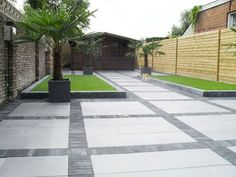 Side Yard Landscaping, Modern Landscaping, Modern Backyard, Backyard Patio, Reforma Exterior, Concrete Patio Designs, Concrete Paver Patio, Stamped Concrete Driveway, Paving Design