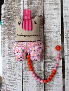 Lustiger Rechenschieber als kleines Kuschelmonster mit Perlenkette / cute soft toy as sliderule made by LiebensWert via DaWanda.com
