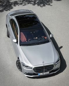 New Mercedes, Mercedes Benz Logo, New Luxury Cars, Hi Fi System, Daimler Benz, Car In The World, Travel And Leisure, Luxury Life, Super Cars