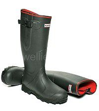 Balmoral Neoprene Lined Hunter Boots in Dark Olive - Robust field boots in Men's & Women's sizes UK EU The Balmoral Neo has a warm neoprene lining + a waterproof calf gusset with adjustable strap and scalloped boot top. Hunter Wellington Boots, Wellies Boots, Hunter Boots, Rubber Rain Boots, Calves, Warm, Shoes, Fashion, Self