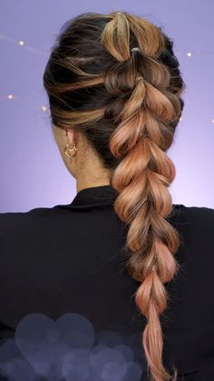 Amazing hairstyle with bubble braid - The so-called bubble braids, are an evolution of the most bulky ponytails. So far famous as Blake L - Sporty Hairstyles, Easy Hairstyles For Long Hair, Braids For Long Hair, Pretty Hairstyles, Cute Volleyball Hairstyles, Blake Lively Hairstyles, Pirate Hairstyles, Camping Hairstyles, Viking Hairstyles