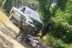 Operativos desplegados por la Secretaría de Seguridad Pública en el estado, permitieron que elementos de la Policía Michoacán recuperaran en pocas horas siete vehículos con reporte de robo, detuvieron a ...
