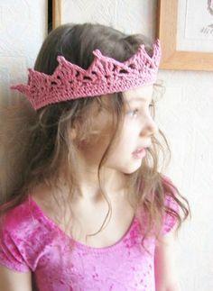 Crochet Stitches, Knit Crochet, Crochet Patterns, Crochet Crown, Colorful Candy, Crown Headband, Crochet Gifts, Yarn Crafts, Handmade Toys