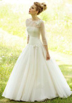 .. i have found my wedding dress .. LOVE!!!!!!!!!!!!!!!