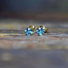 Swiss Blue Topaz & 14k Gold Filled Claw Stud Earrings AAA quality Topaz in Brilliant Cut Topaz is a birthstone for November
