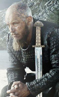 Ragnar Lothbrok, played by Travis Fimmel, Vikings TV series Season 3 Vikings Ragnar, Rei Ragnar, King Ragnar Lothbrok, Viking Men, Viking Life, Viking Warrior, Vikings Tv Series, Vikings Tv Show, Le Joker Batman