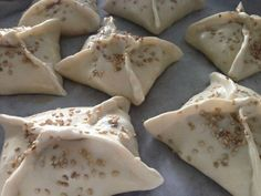 Discover recipes, home ideas, style inspiration and other ideas to try. Greek Recipes, Low Carb Recipes, Snack Recipes, Snacks, Dutch Kitchen, Sports Food, Choco Chips, Appetizers For Party, High Tea