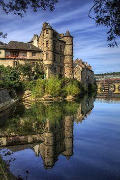 Espalion, Aveyron, France   pe_ha45, flickr