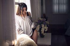 O projeto Sentidos visa proporcionar um ensaio com bastante leveza e descontração, caracterizando a beleza feminina em sua simplicidade e originalidade.