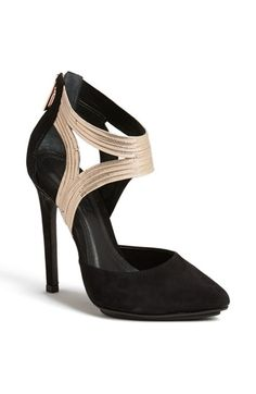 Free shipping and returns on Schutz 'Bishmah' Pointy Toe Pump at Nordstrom.com. Serpentine chain straps amp up the rocker vibe of a sky-high pump with a trend-right pointy toe.