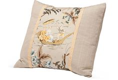 Chinoiserie scene linen pillow.