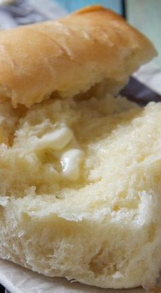 Amish Potato rolls that look yummy and easy! Amish Friendship Bread, Dinner Rolls Recipe, Bread And Pastries, Bread Rolls, Yeast Rolls, Sweet Bread, Bread Baking, The Best, Cooking Recipes