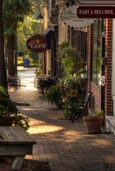 Shops On Marietta Square   Marietta Square 2011. One of my favorite places!