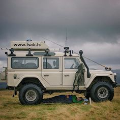 Land Rover Defender 110 Td5 Sw Se County customized Twisted ICON extreme experience adventure... I know no best place to sleep... Lobezno.