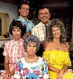 "Mama's Family the ""2nd series"" that was developed for first-run syndication after the show was cancelled by NBC.  The syndicated version ran from 1986 thru 1990 and the cast included:   Vicki Lawrence (Thelma/Mama); Ken Berry (Vinton); Dorothy Lyman (Naomi); Beverly Archer (Iola Boylan); and Allan Kayser (Bubba Higgins)"
