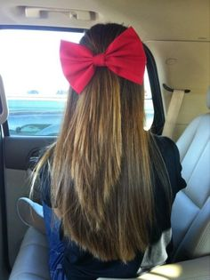 I love her straight hair and the big red bow!