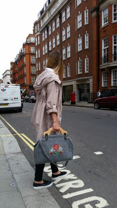 Felt Bag, Handmade bag, Casual , Wooden handle bag, Embroidered Bag