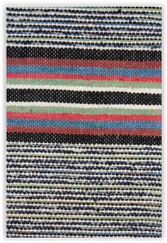 Mustikanvarpu, TaitoSatakunta / Traditional Finnish Rag rug Rag Rugs, Tapestry Weaving, Recycled Fabric, Woven Rug, Diy Art, Loom, Hand Weaving, Fabrics, Carpet