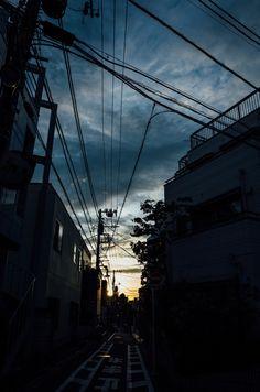 View Wallpaper, Dark Wallpaper, Night Aesthetic, City Aesthetic, Urban Photography, Street Photography, Digital Painting Tutorials, Dusk To Dawn, Anime Scenery