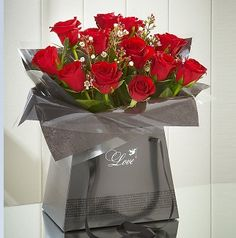 BARGAIN Valentines Day 2015 Roses And Chocolates NOW £25 Delivered At Marks And Spencer - Gratisfaction UK Bargains #valentines