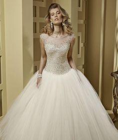 Suknia ślubna księżniczki: klasyka czy glamour? [Zdjęcia]