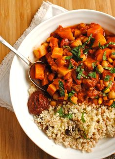 """im-horngry: """" Couscous - As Requested! Vegan Tunisian Chickpea & Veggie Tagine with Couscous! Tajin Recipes, Veggie Recipes, Whole Food Recipes, Vegetarian Recipes, Cooking Recipes, Healthy Recipes, Fast Recipes, Summer Recipes, Delicious Recipes"""