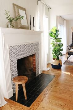 Most current Free of Charge farmhouse Fireplace Hearth Style Modern Farmhouse Meets California Cool — House Call Fireplace Hearth Tiles, Farmhouse Fireplace, Home Fireplace, Fireplace Remodel, Fireplace Surrounds, Fireplace Design, Fireplace Ideas, Modern Fireplace, Fireplace In Kitchen