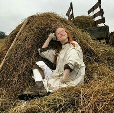 Behind the scenes of annE Anne Shirley, Anne And Gilbert, Anne Auf Green Gables, Amybeth Mcnulty, Anne White, Gilbert Blythe, Anne With An E, Big Words, Cuthbert