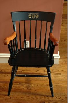 American college of Greece thumback chair
