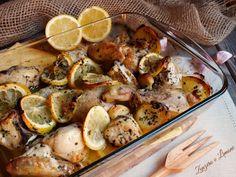 Questo pollo marinato al limone è un secondo piatto gustoso ed estremamente pratico. Si prepara in poche mosse e piace a tutti. Ottimo anche il giorno dopo.