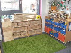 At the Beach - Stimulating Learning Preschool Block Area, Preschool Layout, Block Center, Montessori Activities, Classroom Design, Beginning Of School, Reggio, Environment, Construction