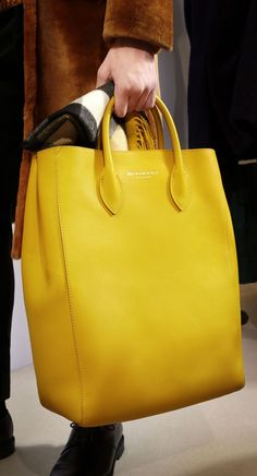 purses and handbags leather – Purses And Handbags Diy Burberry Handbags, Tote Handbags, Purses And Handbags, Burberry Tote Bag, Leather Purses, Leather Handbags, Leather Bag, Soft Leather, Yellow Purses