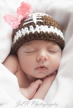 Newborn baby photography poses ideas