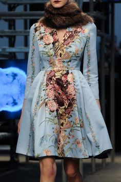 "skaodi: "" Antonio Marras Ready To Wear Fall/Winter Milan Fashion Week. Haute Couture Style, Couture Mode, Couture Fashion, Runway Fashion, Fashion Details, Love Fashion, High Fashion, Suit Fashion, Floral Fashion"
