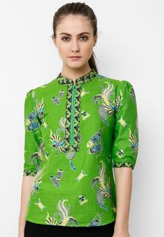 Batik Solo Blouse Shanghai I Beli di ZALORA Indonesia ® Batik Fashion, Fashion Sewing, Ethnic Fashion, African Fashion, Womens Fashion, Blouse Batik, Batik Dress, Batik Solo, Batik Kebaya