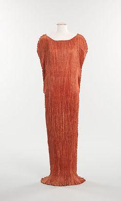 Платье Дельфос - изобретение Мариано Фортуни-и-Мадрасо