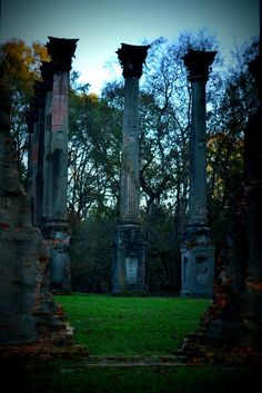 USA boondocks Worth To Be Visited Windsor Ruins, Port Gibson, Mississippi.