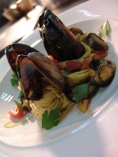 making pasta: http://www.facefinal.com/2013/06/homemade-pasta-with-wild-mushroom.html